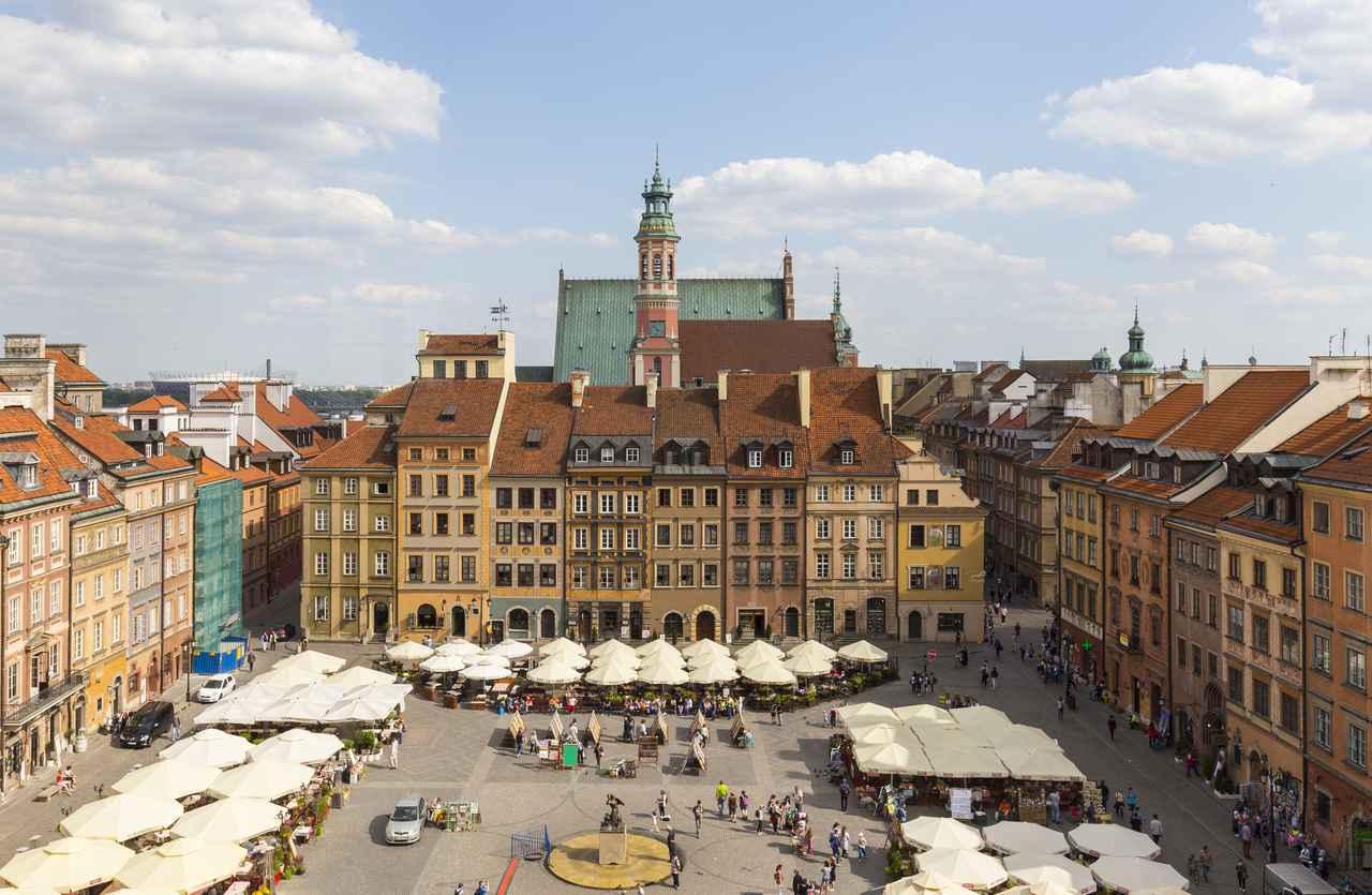 画像: ワルシャワの歴史地区(ポーランド共和国) 登録基準(ⅱ)(ⅵ) © Filip Kwiatkowski/WarsawTour