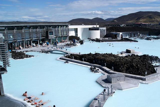 画像: 世界の風呂で「ととのう」<第一回> 『世界最大級の露天風呂ブルーラグーン』 【好奇心で旅する海外】<癒しの空間> - クラブログ ~スタッフブログ~|クラブツーリズム
