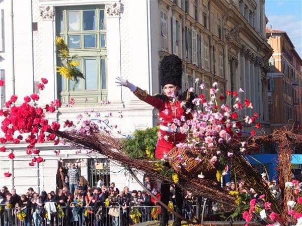 画像1: ミモザ祭りの花合戦/弊社スタッフ撮影