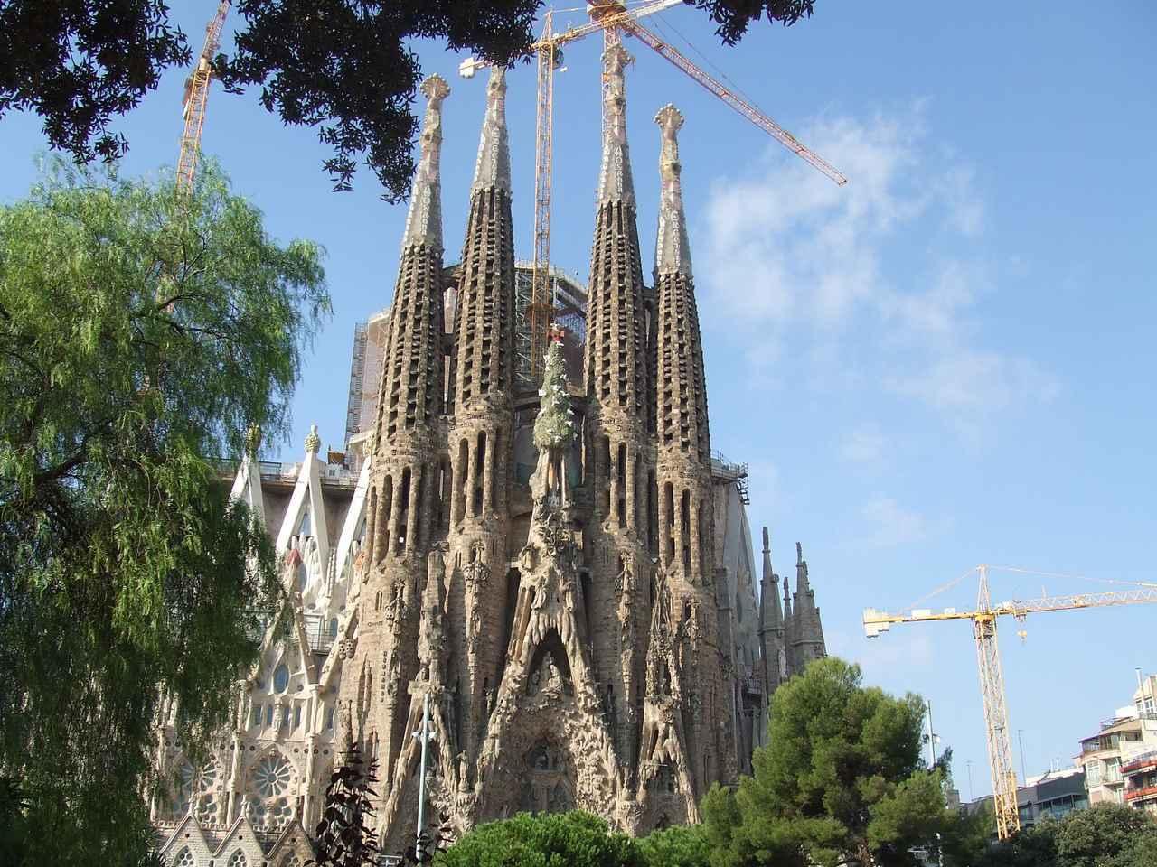 画像: いつ行っても建設中のサグラダ・ファミリア贖罪聖堂(スペイン)登録基準(ⅰ)(ⅱ)(ⅳ)