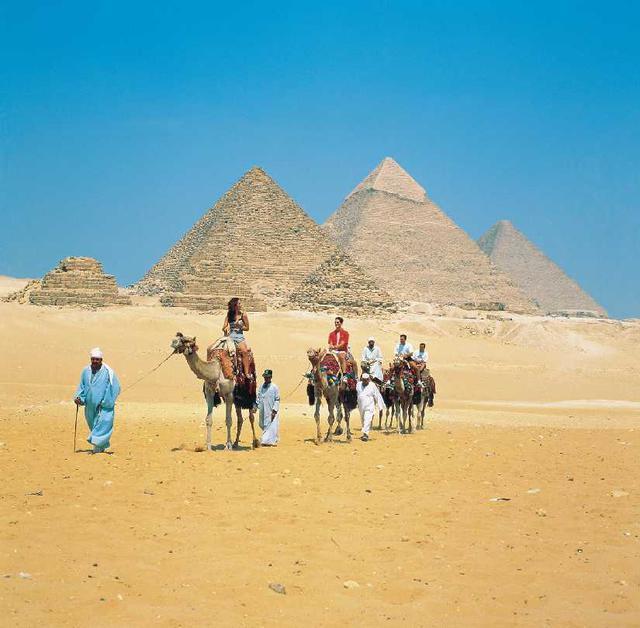 画像: メンフィスのピラミッド地帯(エジプト・アラブ共和国)登録基準(ⅰ)(ⅲ)(ⅵ)