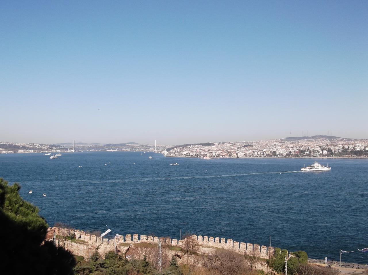 画像: アジアとヨーロッパの境界線ボスポラス海峡(イメージ)