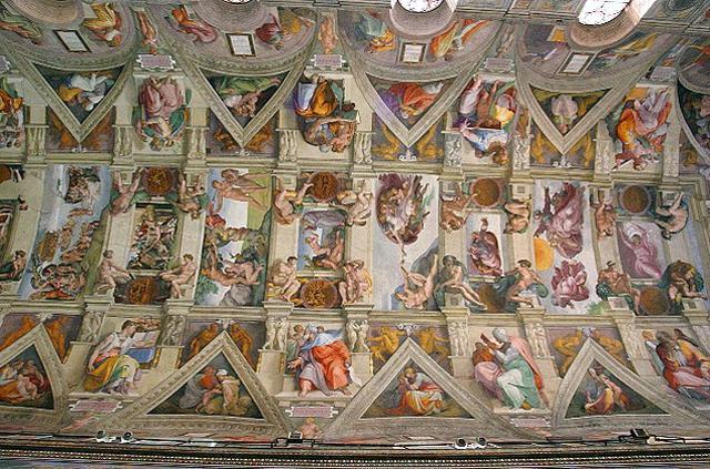 画像: システィーナ礼拝堂の天井に描かれたフレスコ画