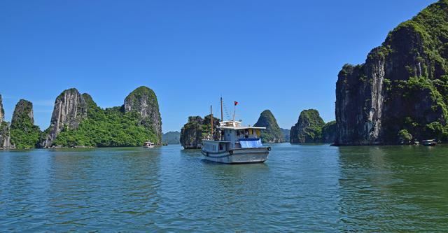 画像: ハ・ロン湾(ベトナム社会主義共和国)登録基準(ⅶ)(ⅷ)
