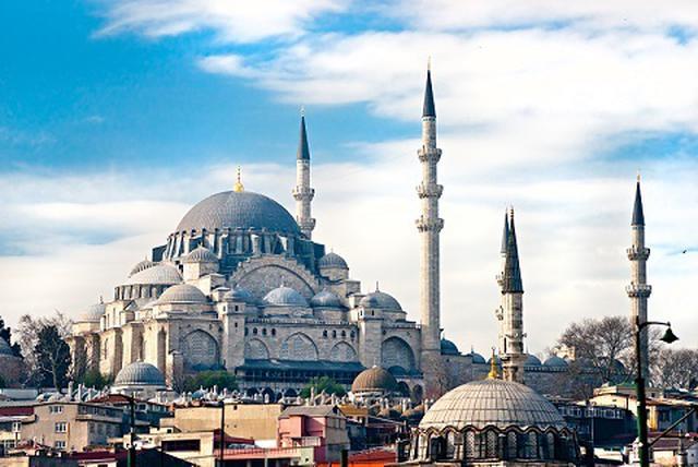 画像: イスタンブールのブルーモスク(イメージ)