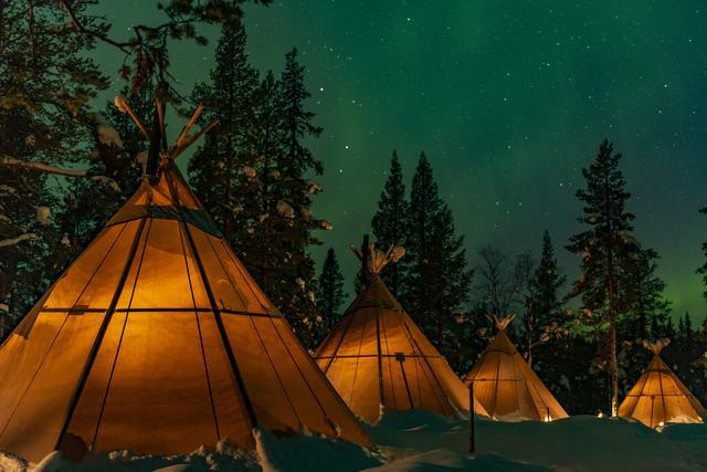 画像: サプミネイチャーキャンプ ©️Lennart Pittja /SápmiNature/ imagesbank.sweden.se