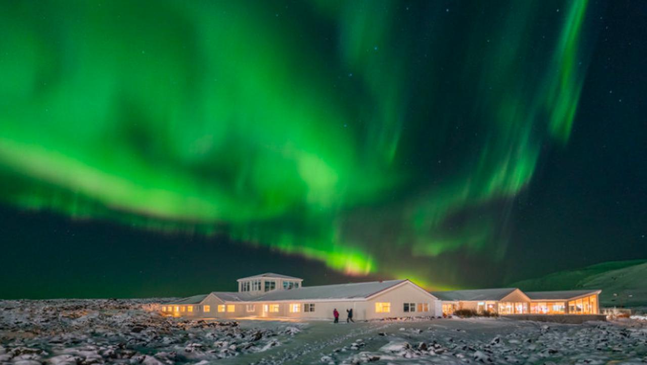 画像: ホテルの外がオーロラ観測地です(Northern Light Inn提供)