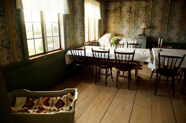画像: ©️Håkan Vargas S/imagebank.sweden.se 壁に織物を張ったり、壁や天井に直接絵画が描かれました。