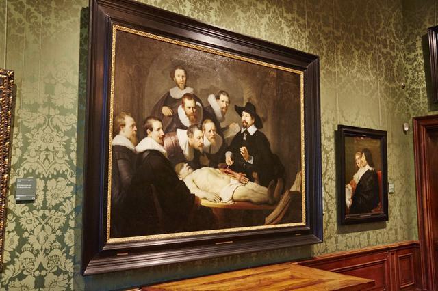 画像: レンブラント『トゥルプ博士の解剖学講義』(左)