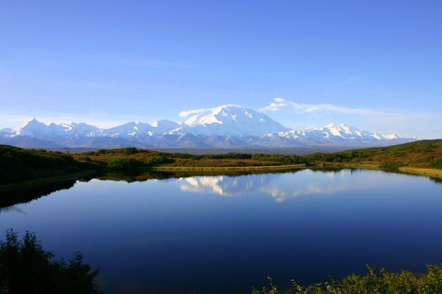 画像: カンティシュナまで行くから見れる絶景 湖面に映る「逆さデナリ山」 ※天候等によりご覧いただけない場合がございます