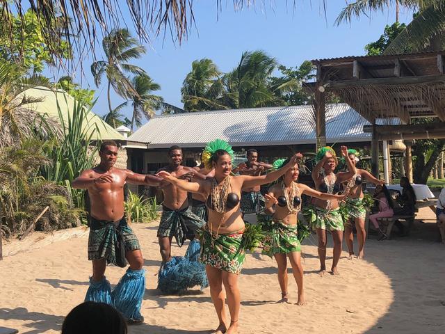 画像: フィジアン・ダンスショー