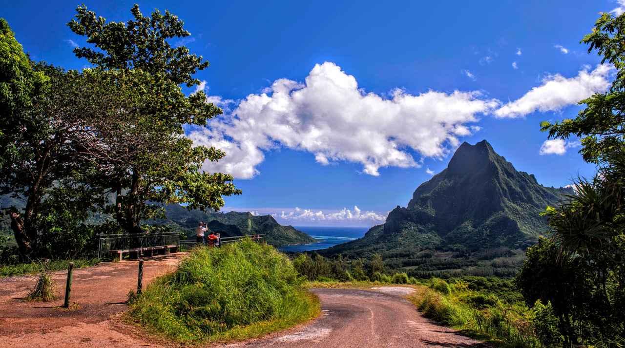 画像: モーレア島のパノラマを堪能できる「ベルベデール展望台」