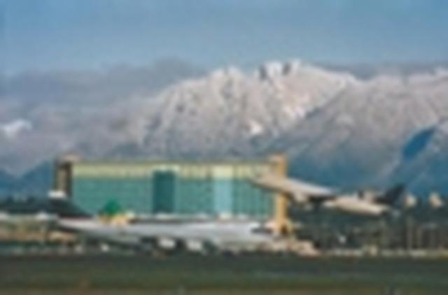 画像1: 『飛行機好きな貴方へ送る!寝ても覚めても飛行機を愉しむ!カナダ空港めぐり8日間』 空港直結ホテルに連泊!滑走路が見える部屋指定!ボーイング社工場見学|クラブツーリズム