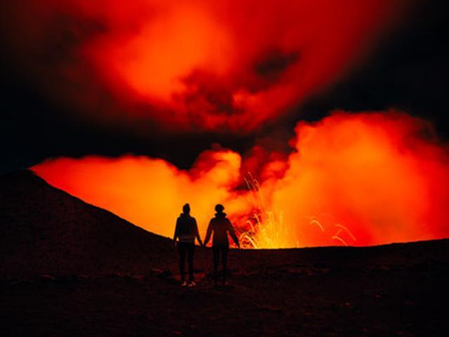 画像: まるでSF世界のようなタンナ島のヤスール火山