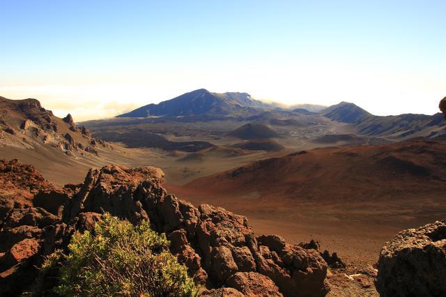 画像: ハレアカラ火山山頂付近はまるで異世界のよう