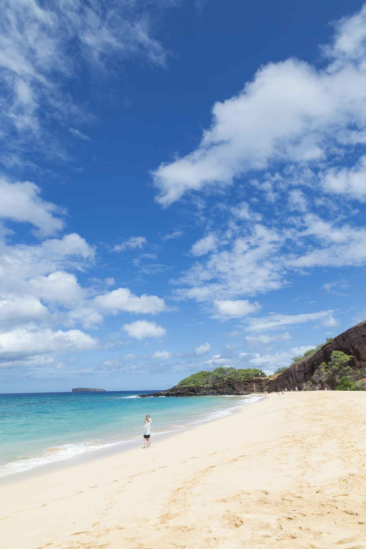 画像: 落ち着いた雰囲気のビーチは大人向けリゾート