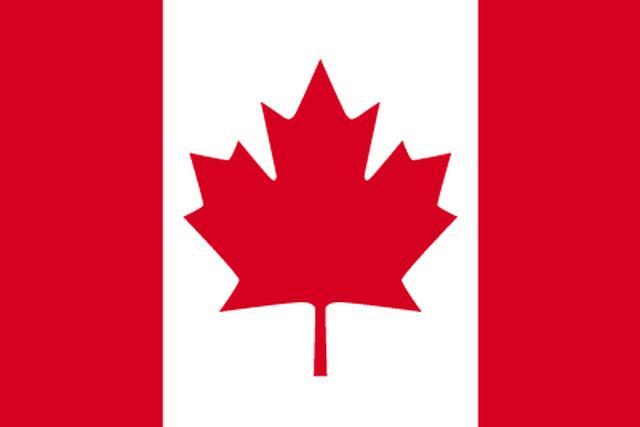 画像: カナダの国旗。両側の赤い帯は太平洋と大西洋をあらわし、中央のメープルリーフは昔からカナダを象徴するものとして扱われている