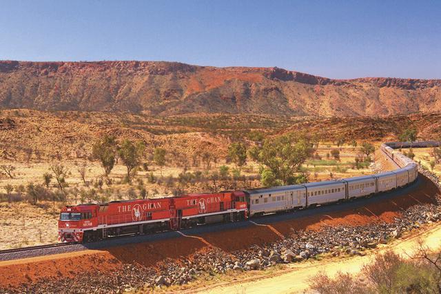 画像: 世界で唯一の大陸縦断鉄道ザ・ガン号 最長40両編成、全長は1km近くにもなることも!