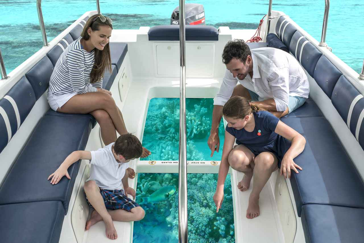 画像: 泳がずともサンゴ礁の海を満喫!