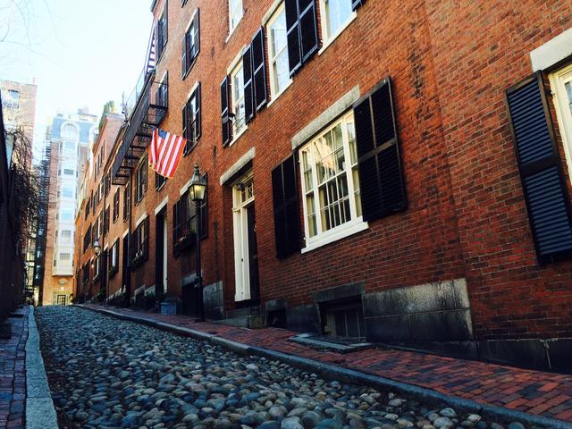 画像: レンガ作りの街並みの広がるボストン・ビーコンヒル(イメージ)