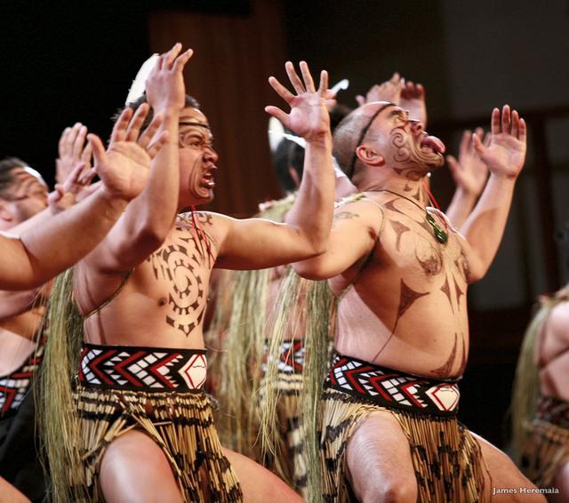 画像: マオリ族の民族舞踏「ハカ」をご覧いただきます