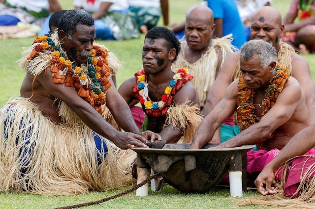 画像: フィジー人とカバの儀式/イメージ