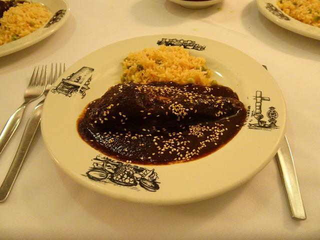 画像: メキシコ伝統の料理「モレ」は発祥の地プエブラで!レストラン「コロニアル」のお食事(イメージ) 2日目のランチ