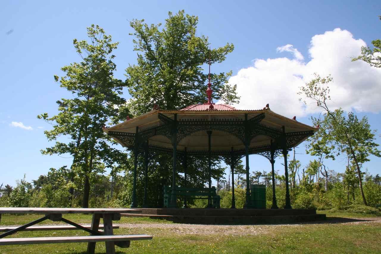 画像: ポイントプレザントパークにある、アンがロイからプロポーズを受けた東屋