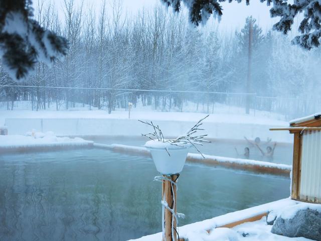 画像: タキーニ温泉/DESTINATION CANADAより www.brandcanadalibrary.ca