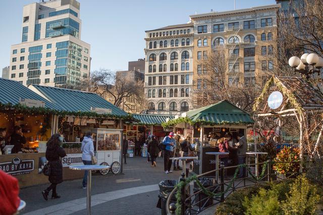 画像: ユニオンスクエアのクリスマスマーケット(イメージ) Union Square Holiday Markets(Molly Flores NYC & Company)
