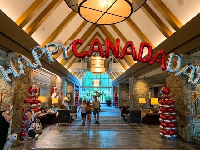画像: ロビー内もカナダデイムード満載なフェアモントホテル/弊社スタッフ和田撮影