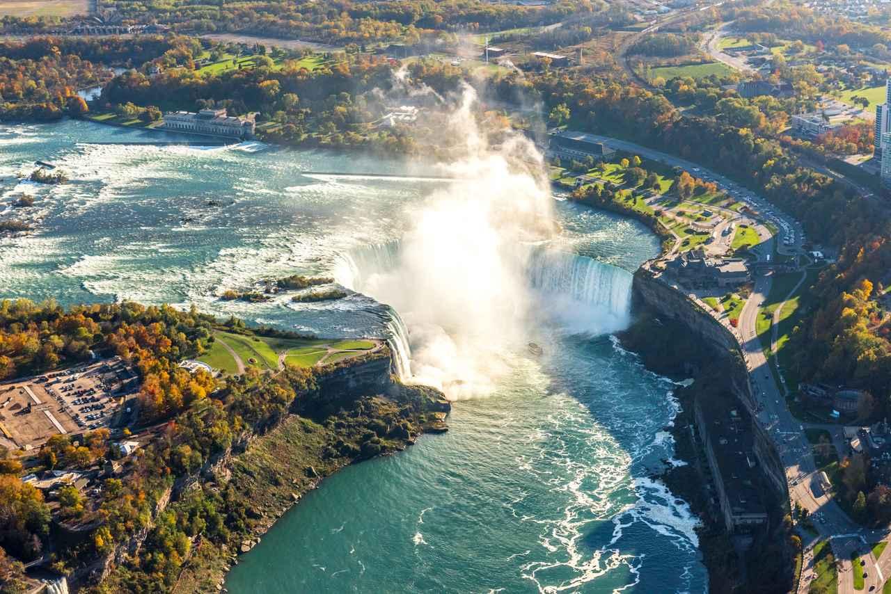 画像: 秋のナイアガラの滝