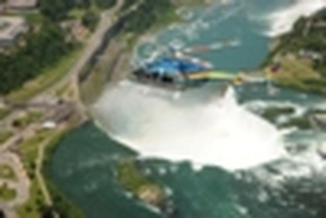 画像: 『デラックスクラスホテル滝側客室3連泊 カナダ・秋色の大瀑布ナイアガラ5日間』ナイアガラヘリコプター遊覧飛行も/シェラトン・オン・ザ・フォールズ指定/添乗員同行|クラブツーリズム