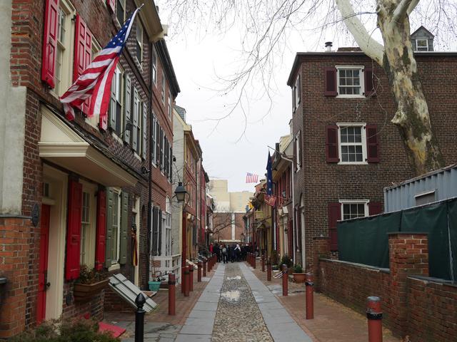 画像: アメリカ最古の住宅街エルフレス小径(イメージ)