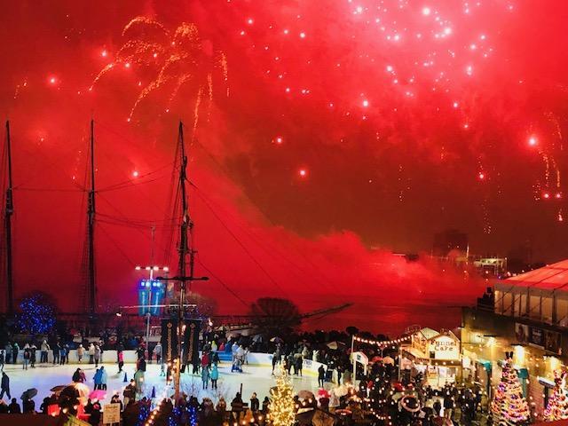 画像: ド派手な花火が打ち上がり煌びやかな雰囲気に包まれました(イメージ)