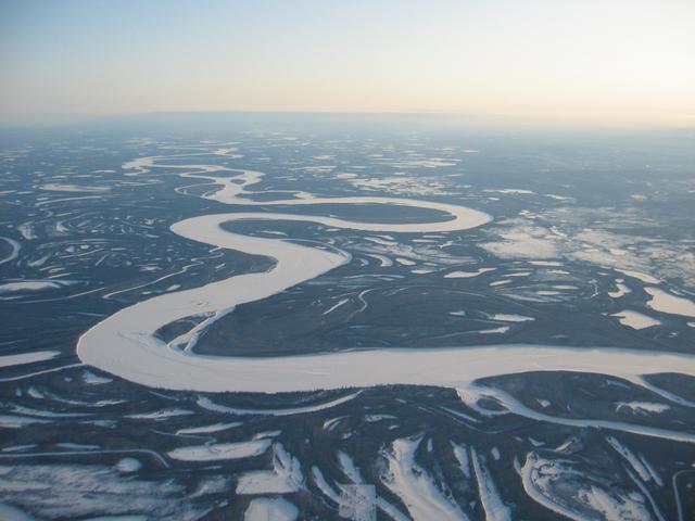 画像1: セスナ機から見たユーコン川/イメージ