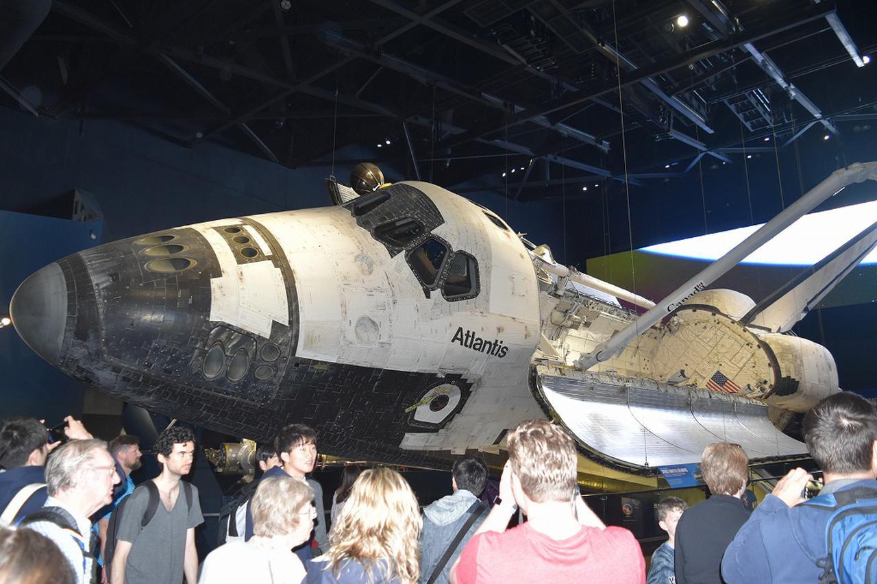 画像: スペースシャトル「アトランティス号」の見学!間近で見れて感激です(イメージ)