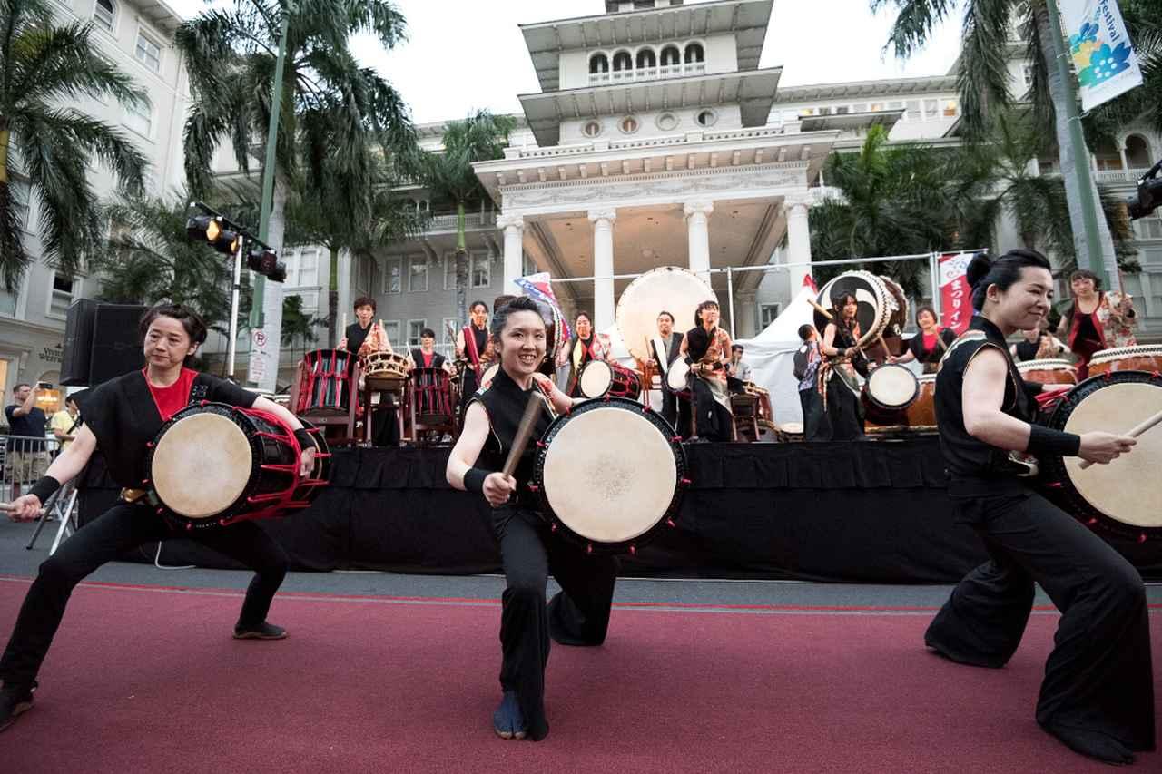 画像: メイン会場での太鼓演奏の様子