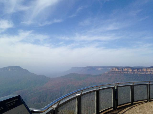 画像: 世界遺産ブルーマウンテンズのエコーポイント展望台からの写真(2020/01/28 現地スタッフ撮影)