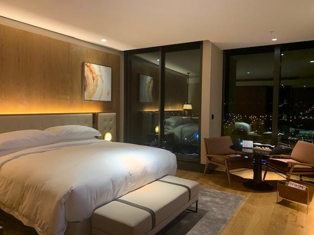 画像1: 広々とした客室も魅力