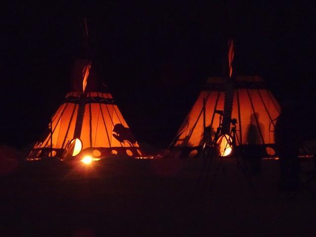 画像: オーロラセンター内にある、先住民の移動式住居ティーピーも写真映え/お客様撮影