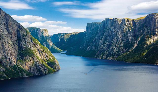 画像: 世界遺産グロスモーン国立公園のフィヨルドクルーズへ(イメージ)/ニューファンドランド州観光局