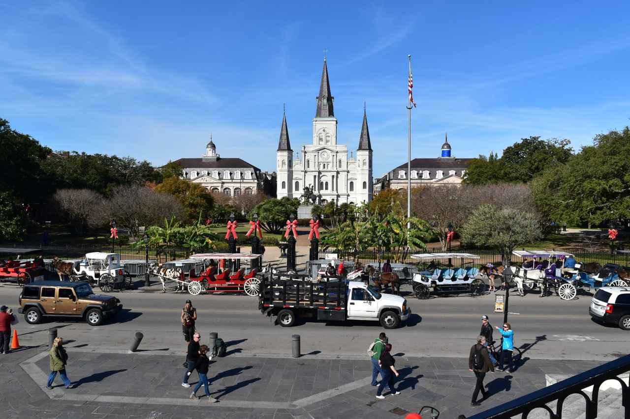 画像: ジャクソン広場とセントルイス大聖堂(イメージ)