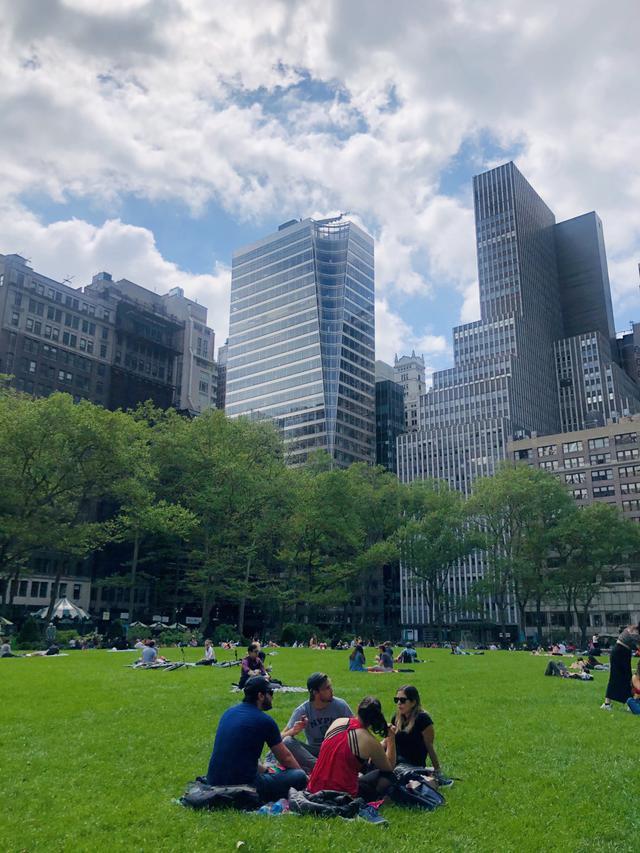 画像: ニューヨーク・ブライアントパークの様子/現地在住者撮影(6/19投稿)