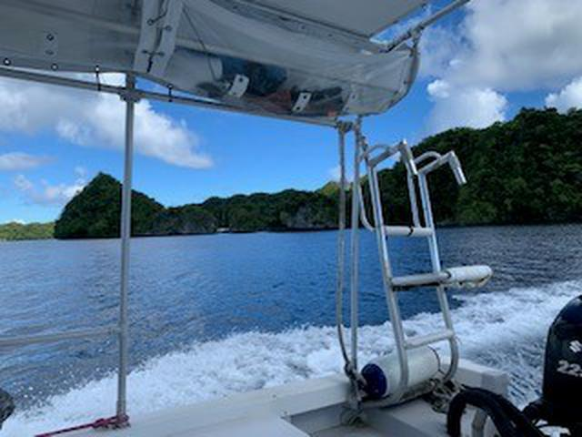 画像: 横から風が抜けるタイプのボートなので、 船酔いされる方は少ないです。(弊社スタッフ撮影)