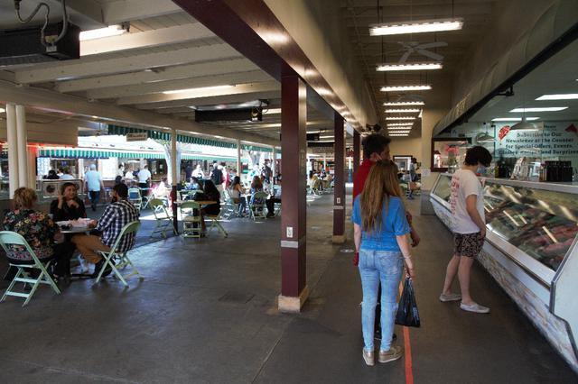 画像1: ファーマーズマーケットの様子/現地スタッフ撮影(6/21撮影)