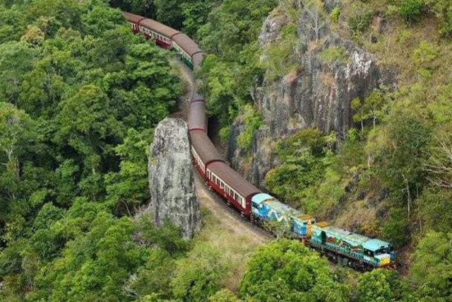 画像: キュランダ鉄道(空撮イメージ)