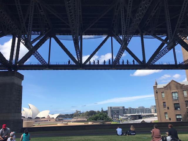 画像: オペラハウスが見える公園/担当者撮影