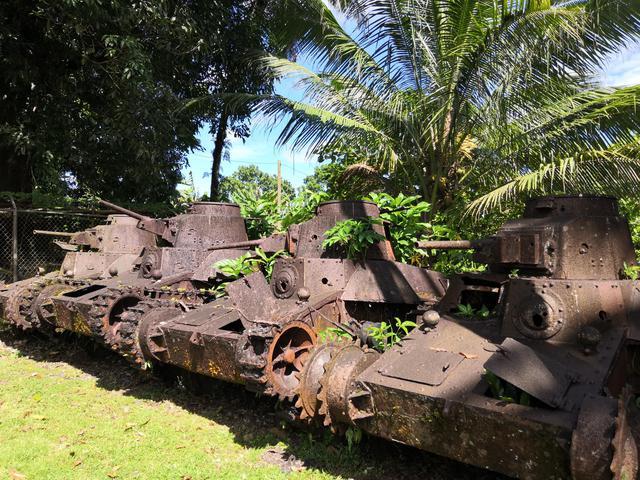 画像: ポンペイ島に残された旧日本軍の戦車 (クラブツーリズムスタッフ撮影)