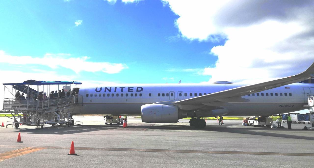 画像: ユナイテッド航空のアイランドホッパー便 (クラブツーリズムスタッフ撮影)